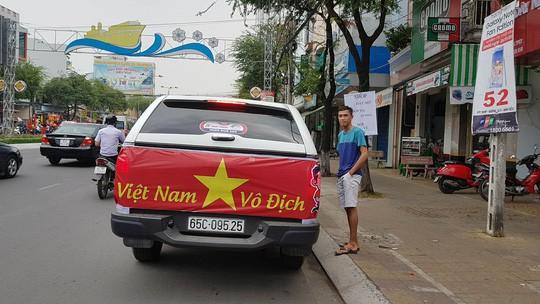 BOT Cần Thơ - Phụng Hiệp xả trạm để ủng hộ U23 Việt Nam - Ảnh 3.