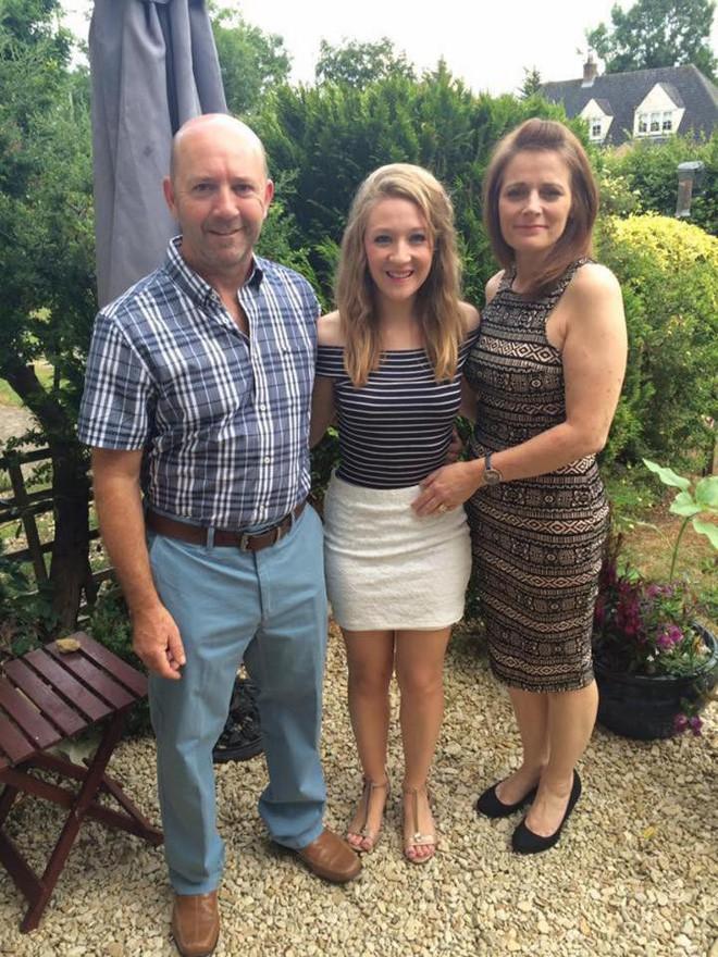 Không hề mang thai nhưng ngực lại chảy sữa: Cô gái 18 tuổi không ngờ mình đã mắc phải một khối u hiếm gặp - Ảnh 4.