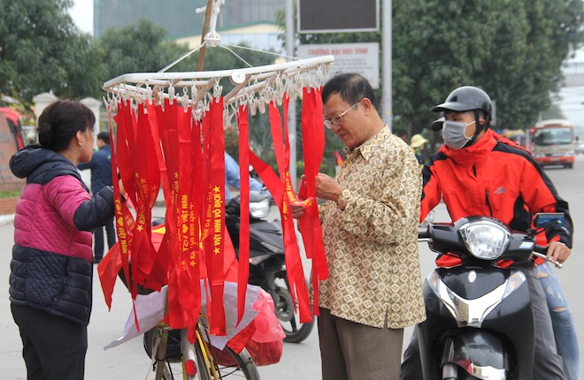 Muôn kiểu trang điểm xe hơi và người trước trận đấu lịch sử của U23 Việt Nam - Ảnh 18.