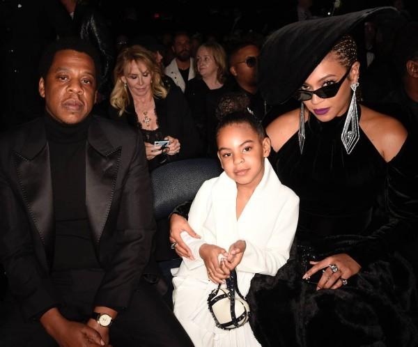 Khoảnh khắc gây sốt Grammy: Con gái bảo, bố mẹ Beyoncé và JayZ phải nghe! - Ảnh 1.
