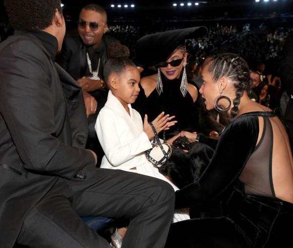 Khoảnh khắc gây sốt Grammy: Con gái bảo, bố mẹ Beyoncé và JayZ phải nghe! - Ảnh 2.