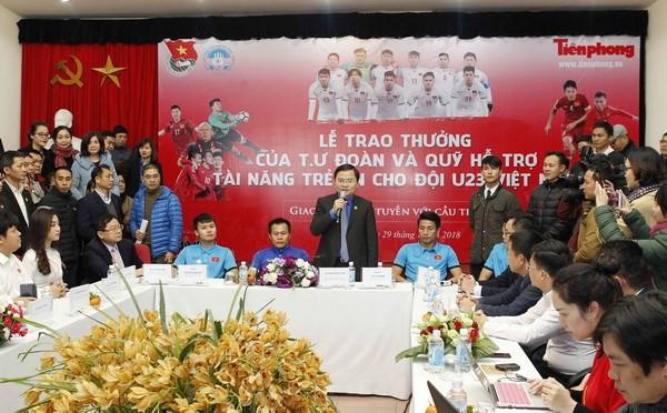 Không thu thuế tiền thưởng là quà tặng cầu thủ U23 Việt Nam - Ảnh 1.