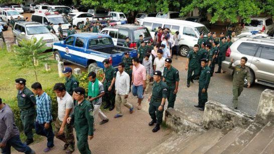 Cháu rể Thủ tướng Hun Sen bị tước quân hàm chuẩn tướng vì tổ chức đá gà trái phép - Ảnh 1.