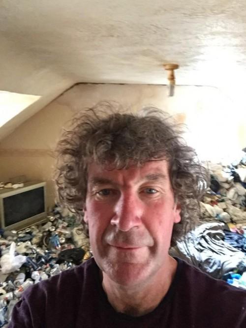 Cho thuê nhà 12 năm, chủ nhà khóc thét khi thấy căn phòng tan hoang như bãi rác - Ảnh 5.