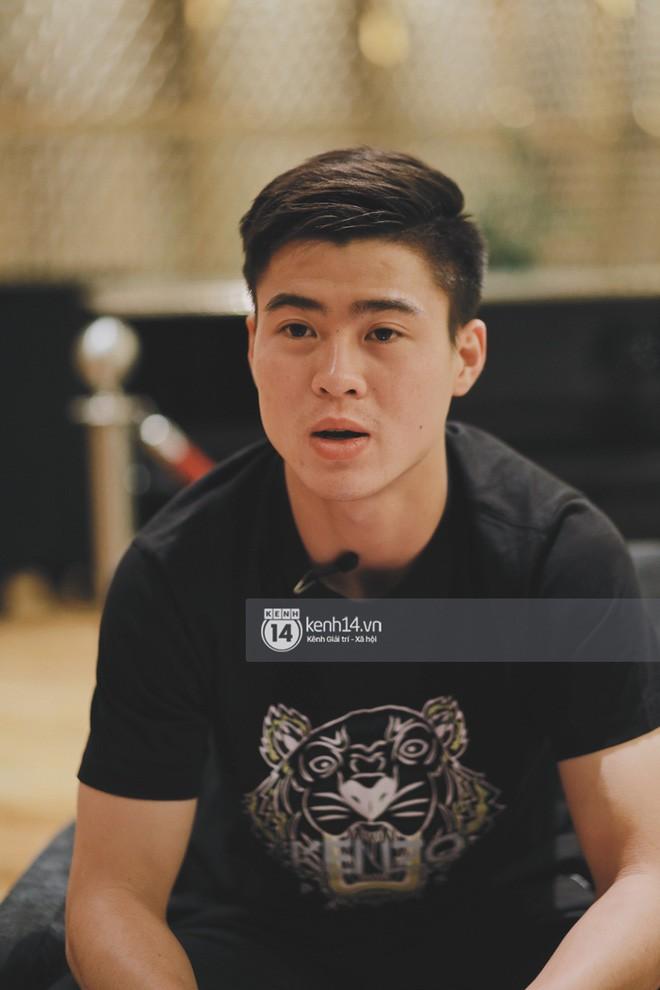 Hot boy Duy Mạnh U23: Trong đội chỉ có mình với Hồng Duy bán hàng online, nhưng thật ra là... đăng hộ bạn gái đấy! - Ảnh 7.