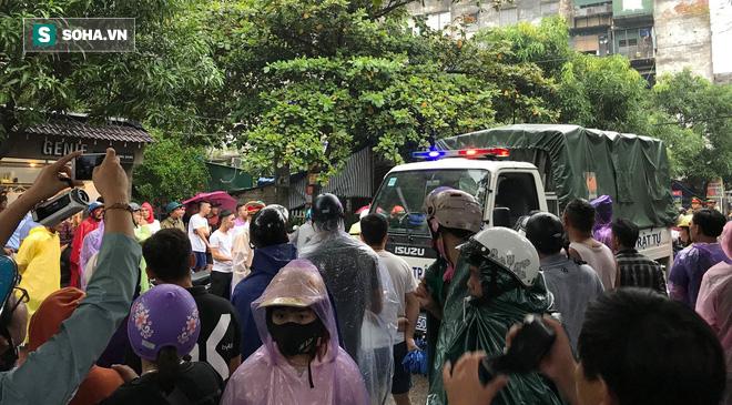 Cảnh sát dùng súng bắn tỉa vây bắt đối tượng cầm lựu đạn cố thủ trong nhà ở Nghệ An - Ảnh 18.