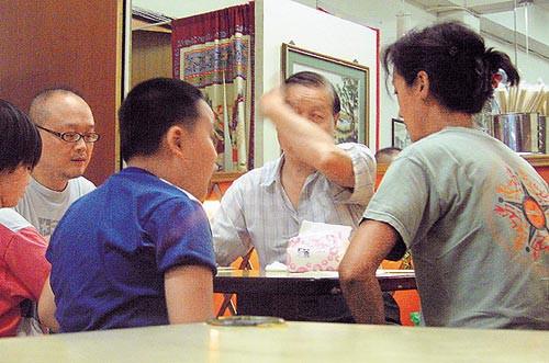 Mỹ nhân được Lưu Đức Hoa quỳ gối tỏ tình: Yêu phải bạn trai vũ phu, tuổi 50 sống cảnh khó khăn - Ảnh 12.