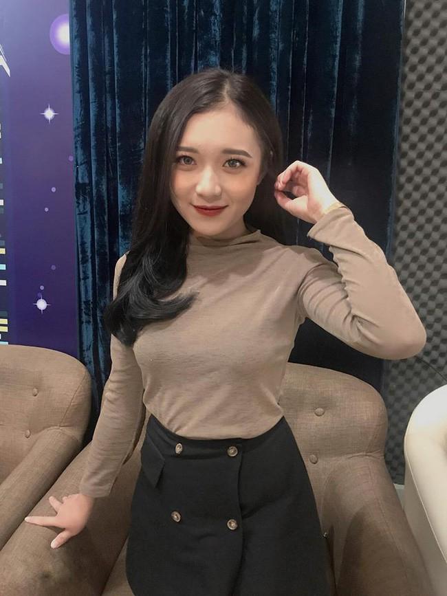 3 nữ biên tập viên 9X xinh đẹp nóng bỏng, rất được lòng công chúng của VTV - Ảnh 2.