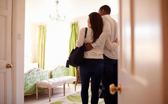 Vừa chia tay 3 ngày, cô lễ tân gặp ngay tình cũ dắt bồ vào khách sạn mình làm, còn phải tự tay xếp phòng - Ảnh 2.