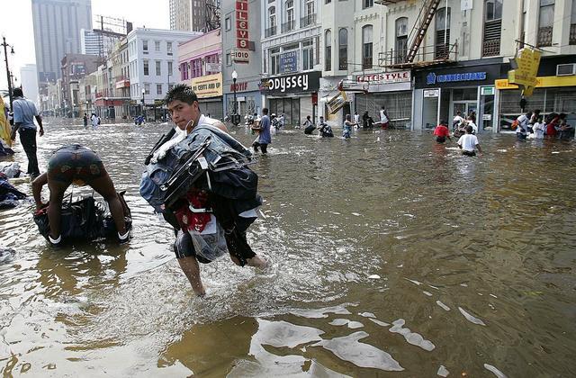 Bão Michael vừa đổ bộ vào Mỹ đáng sợ hơn cả siêu bão Katrina - Ảnh 4.