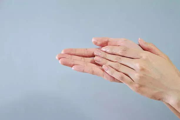 10 phút vàng buổi sáng- Giải pháp loại bỏ bệnh tật có tác dụng kỳ diệu, nên làm mỗi ngày - Ảnh 3.