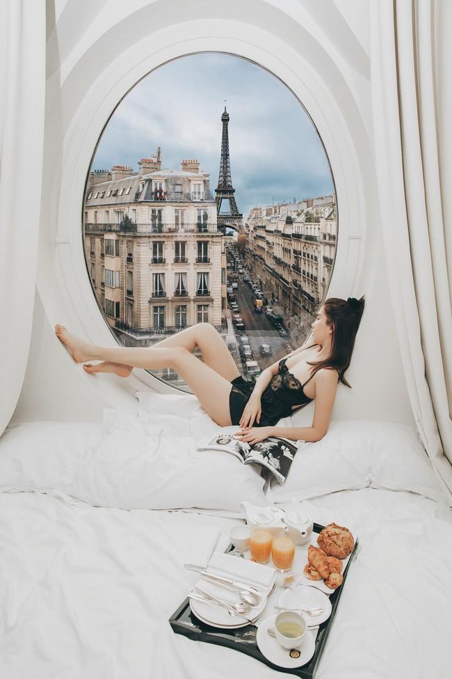 Căn phòng nơi Ngọc Trinh chụp ảnh ngưng đọng thời gian: Góc view đẹp nhất nhì Paris, phải đặt trước cả tháng - Ảnh 1.