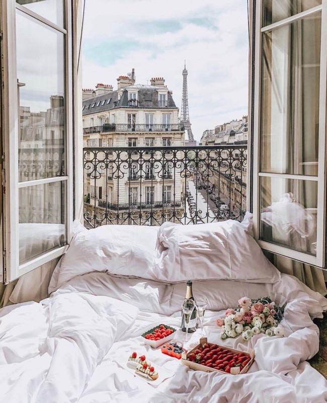Căn phòng nơi Ngọc Trinh chụp ảnh ngưng đọng thời gian: Góc view đẹp nhất nhì Paris, phải đặt trước cả tháng - Ảnh 9.