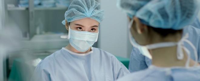 Nhặt sạn level bác sĩ: Phát hiện 6 hạt sạn y học đáng tiếc trong Hậu Duệ Mặt Trời bản Việt - Ảnh 9.