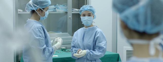 Nhặt sạn level bác sĩ: Phát hiện 6 hạt sạn y học đáng tiếc trong Hậu Duệ Mặt Trời bản Việt - Ảnh 10.