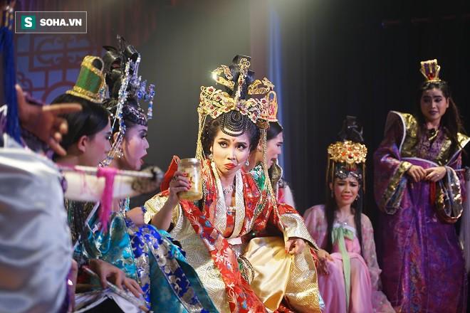 Việt Hương, Thanh Bạch, Đại Nghĩa hội tụ tại sân khấu Minh Nhí - Ảnh 6.