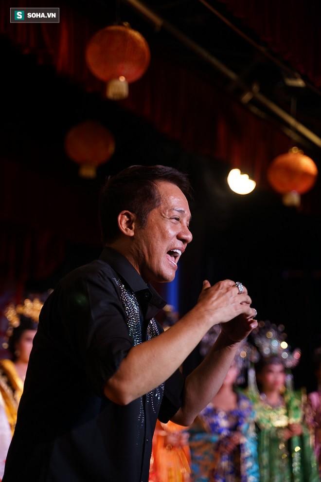 Việt Hương, Thanh Bạch, Đại Nghĩa hội tụ tại sân khấu Minh Nhí - Ảnh 18.