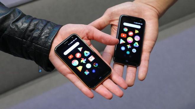 Huyền thoại Palm tái xuất với một chiếc điện thoại không thể nhỏ hơn - Ảnh 1.