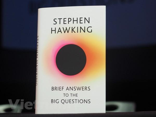"""Ra mắt cuốn sách cuối cùng của """"ông hoàng vật lý"""" Stephen Hawking - Ảnh 1."""