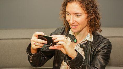 Huyền thoại Palm tái xuất với một chiếc điện thoại không thể nhỏ hơn - Ảnh 6.