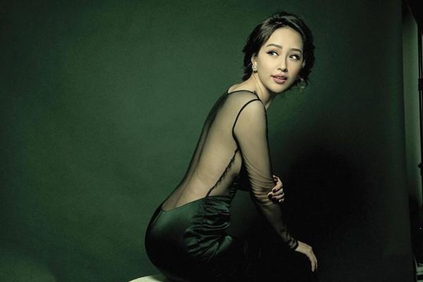 Nhan sắc rực rỡ của Hoa hậu Việt Nam giục mãi không chịu lấy chồng - Ảnh 2.
