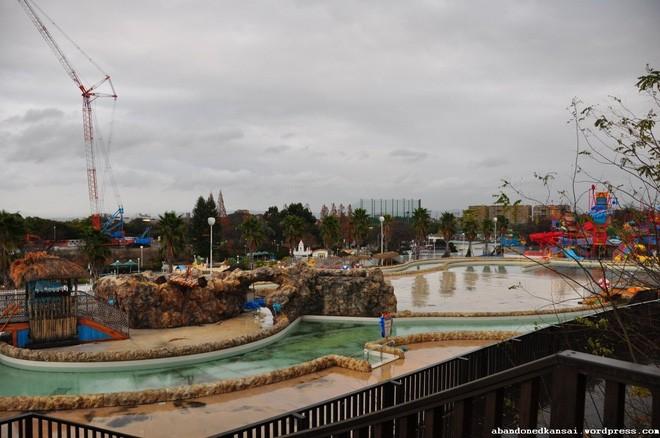 Expoland: Từ công viên hàng đầu Nhật Bản bỗng hóa nơi hoang phế không một bóng người sau tai nạn đáng sợ của nữ du khách - Ảnh 11.
