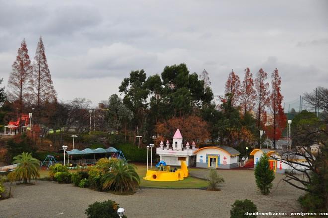 Expoland: Từ công viên hàng đầu Nhật Bản bỗng hóa nơi hoang phế không một bóng người sau tai nạn đáng sợ của nữ du khách - Ảnh 16.