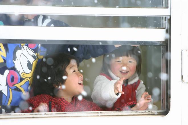 Tadami Line: Chuyến tàu hỏa nhỏ xinh nhất Nhật Bản, đi qua 4 mùa là 4 khung trời khác nhau - Ảnh 17.
