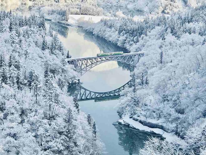 Tadami Line: Chuyến tàu hỏa nhỏ xinh nhất Nhật Bản, đi qua 4 mùa là 4 khung trời khác nhau - Ảnh 19.