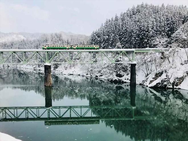 Tadami Line: Chuyến tàu hỏa nhỏ xinh nhất Nhật Bản, đi qua 4 mùa là 4 khung trời khác nhau - Ảnh 20.