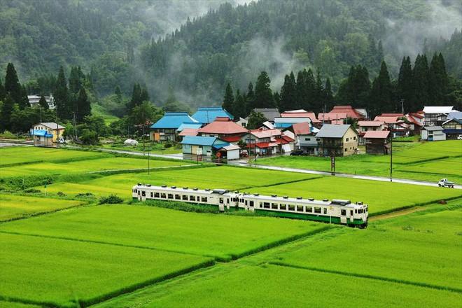 Tadami Line: Chuyến tàu hỏa nhỏ xinh nhất Nhật Bản, đi qua 4 mùa là 4 khung trời khác nhau - Ảnh 8.