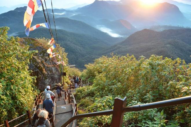 16 cầu thang đáng sợ nhất trên thế giới mà ai nhìn thấy cũng phải bủn rủn chân tay - Ảnh 8.