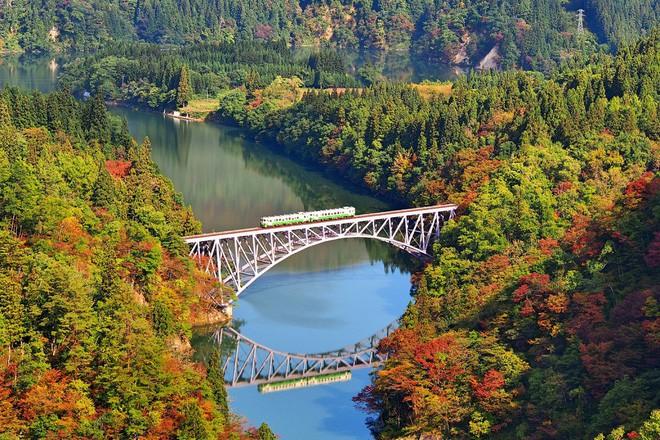 Tadami Line: Chuyến tàu hỏa nhỏ xinh nhất Nhật Bản, đi qua 4 mùa là 4 khung trời khác nhau - Ảnh 11.