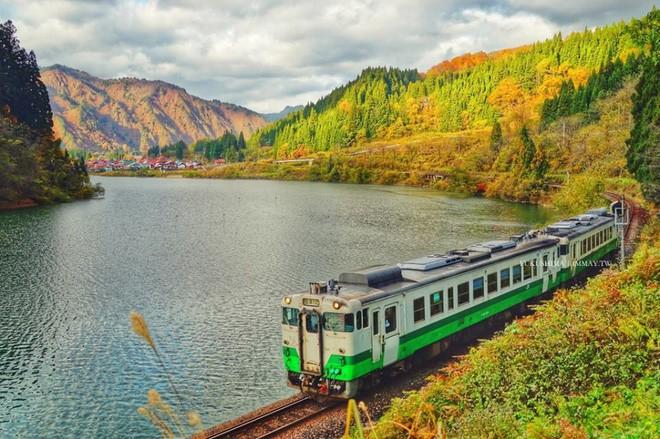 Tadami Line: Chuyến tàu hỏa nhỏ xinh nhất Nhật Bản, đi qua 4 mùa là 4 khung trời khác nhau - Ảnh 12.