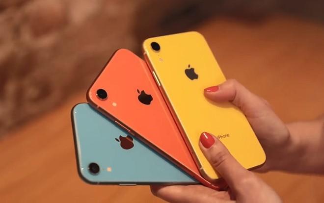 iPhone Xr chính thức mở bán, đây là hai màu máy gây sốt, bán hết veo chỉ sau vài giờ - Ảnh 1.