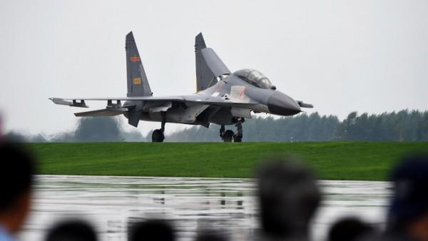 Su-27 sao chép bất hợp pháp của Trung Quốc: Cậu em phá gia chi tử bị Nga nắm thóp! - Ảnh 1.