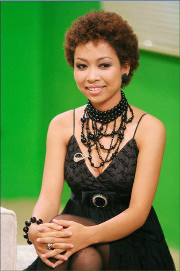 Ca sĩ xấu lạ Thảo Trang thừa nhận phẫu thuật thẩm mỹ - Ảnh 1.