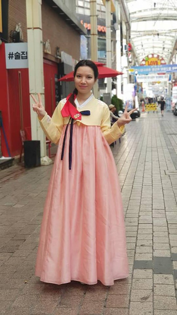 Vợ kém 14 tuổi xinh đẹp của MC Anh Tuấn: Cuộc sống sang chảnh, đi khắp thế giới - Ảnh 8.