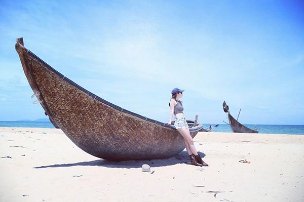 Vợ kém 14 tuổi xinh đẹp của MC Anh Tuấn: Cuộc sống sang chảnh, đi khắp thế giới - Ảnh 5.