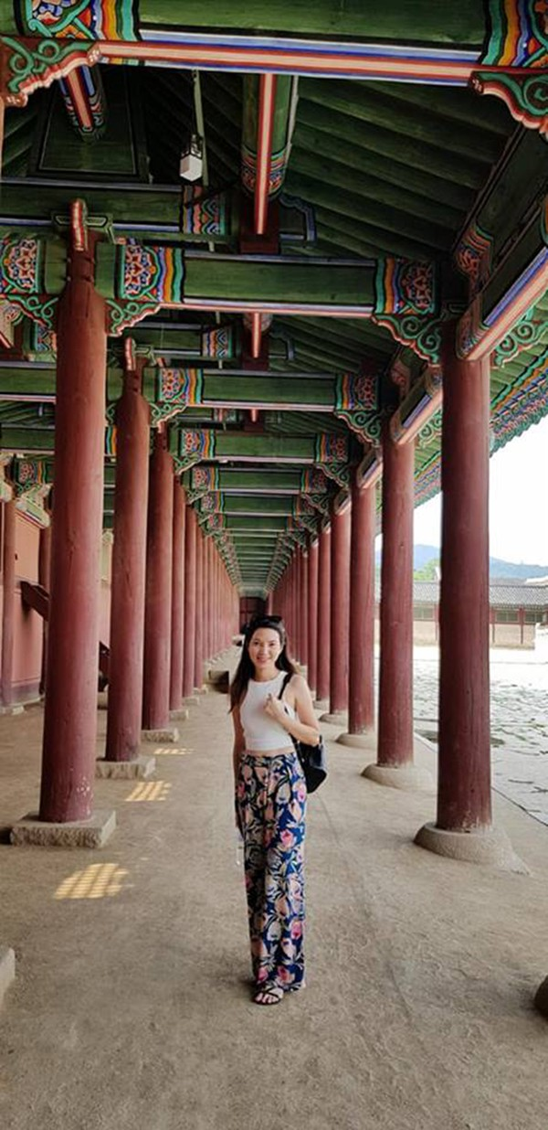 Vợ kém 14 tuổi xinh đẹp của MC Anh Tuấn: Cuộc sống sang chảnh, đi khắp thế giới - Ảnh 10.