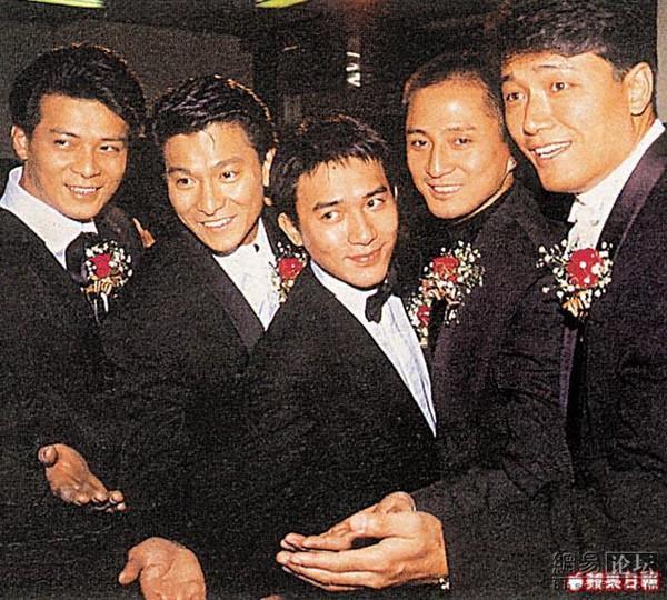 Cuộc sống của Kiều Phong lừng lẫy Thiên Long Bát Bộ: Bán hàng rong, diễn hội chợ kiếm tiền nuôi vợ - Ảnh 1.