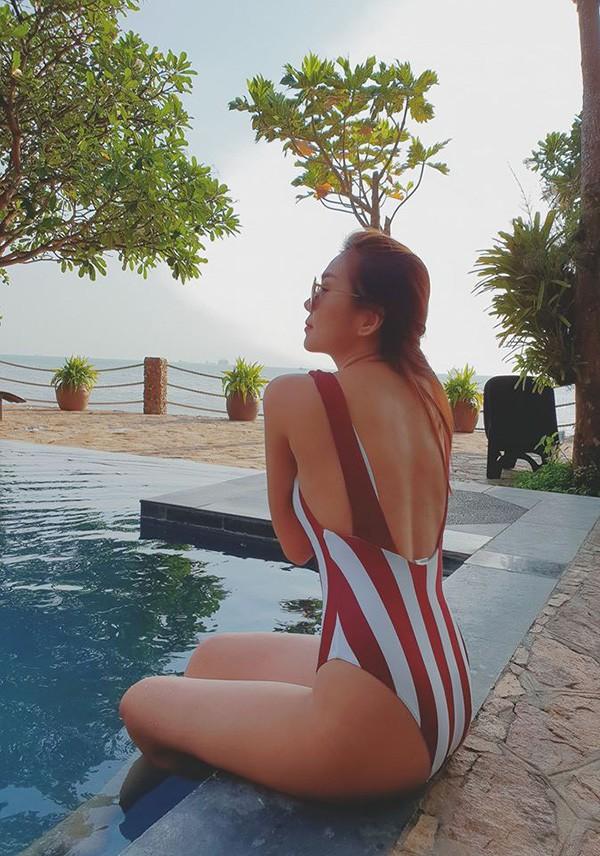 Thanh Hằng khoe ảnh bikini khiến dân mạng phát sốt với thân hình nóng bỏng - Ảnh 3.