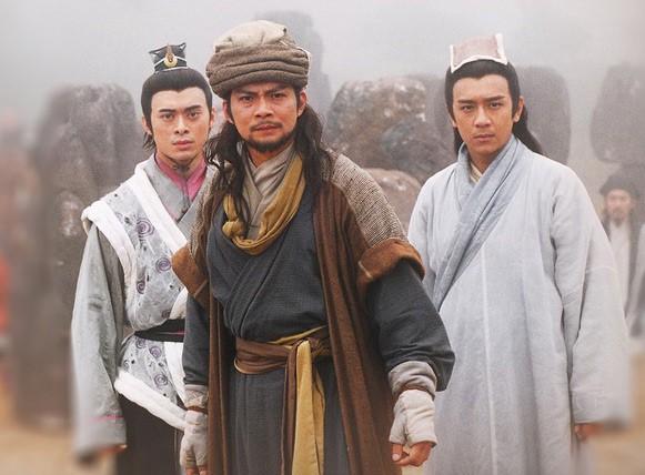 Cuộc sống của Kiều Phong lừng lẫy Thiên Long Bát Bộ: Bán hàng rong, diễn hội chợ kiếm tiền nuôi vợ - Ảnh 2.