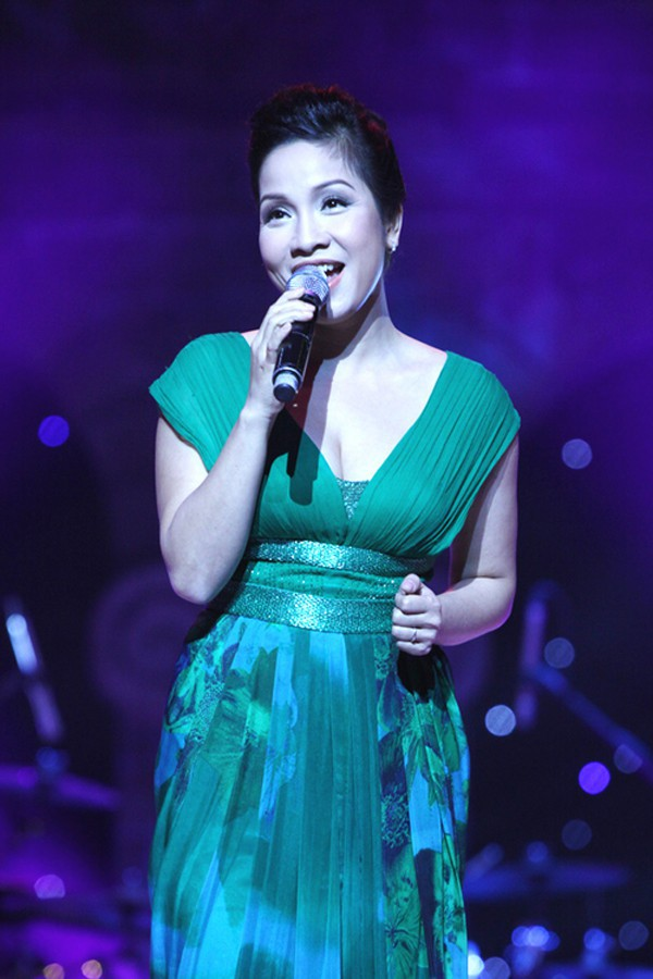 Hồng Nhung, Mỹ Linh - khi diva hát quên lời, thêm lời và nổi loạn với hits của đàn em - Ảnh 3.