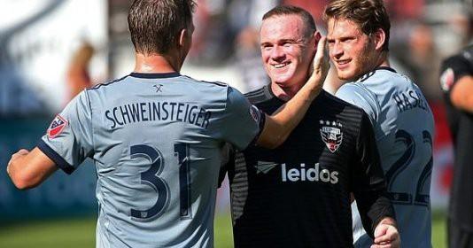 Bí mật giúp Rooney làm nên kỳ tích tại Mỹ: Gạt phăng suất VIP, chỉ làm người thường - Ảnh 2.