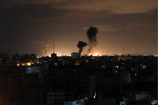 """Tên lửa tấn công Israel: """"Vòm Sắt"""" ồ ạt khai hỏa, chiến cơ xuất kích nã đạn chưa từng thấy - Ảnh 8."""