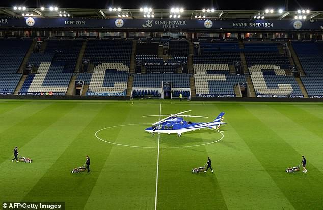 Vụ trực thăng của ông chủ Leicester rơi: Vì sao trực thăng không an toàn như máy bay? - Ảnh 1.