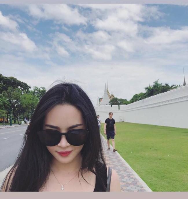 4 năm từ ngày đập đi xây lại, hot girl thẩm mỹ Vũ Thanh Quỳnh ngày càng quyến rũ, vi vu du lịch khắp nơi - Ảnh 16.