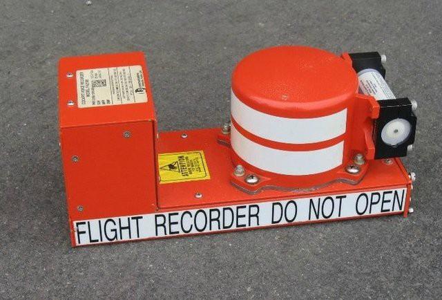 Vì sao hộp đen được sơn màu cam và 6 sự thật bất ngờ khác về bộ phận không thể thiếu trên máy bay này - Ảnh 2.