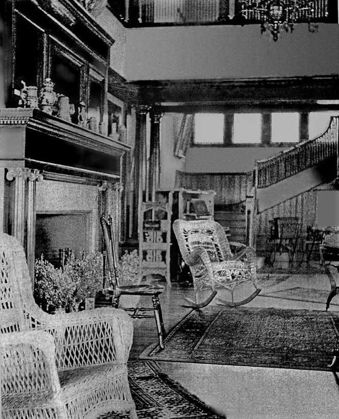 """Carleton Villa: Biệt thự nguy nga tráng lệ giờ chỉ là đống đổ nát hoang tàn bởi """"lời nguyền"""" tang tóc làm cả gia tộc lụi tàn - Ảnh 4."""